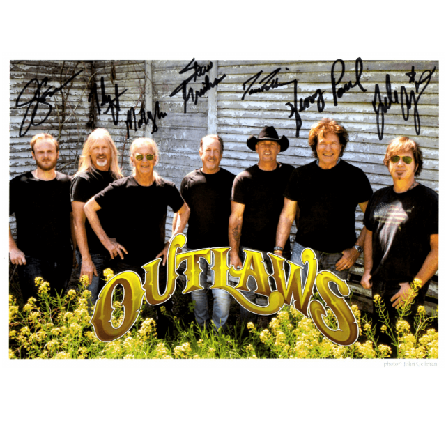 Outlaws 2019 Autographed 8x10